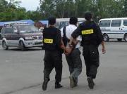 Tội đánh tháo người bị giam, giữ, người đang bị dẫn giải, người đang bị xét xử