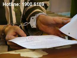 Quyết định thi hành án phạt tù được thực hiện như thế nào?