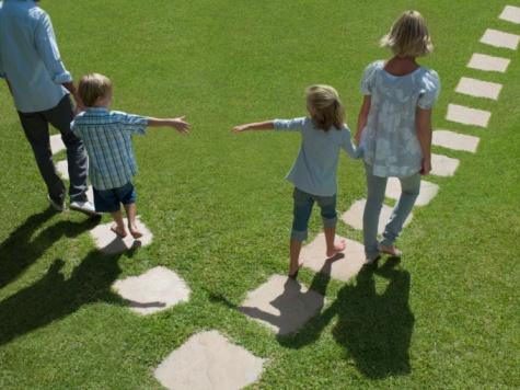 Chứng minh điều kiện để giành quyền nuôi con sau ly hôn?