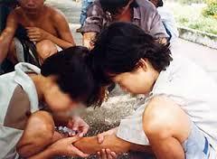 Tư vấn về tội cưỡng bức-lôi kéo người khác sử dụng trái phép chất ma túy