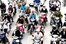 Phí sử dụng đường bộ đối với xe máy được quy định như thế nào?