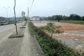 Đất xây dựng các công trình công cộng có hành lang bảo vệ an toàn