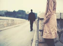 Đang ở nước ngoài không về Việt Nam có ly hôn được không?
