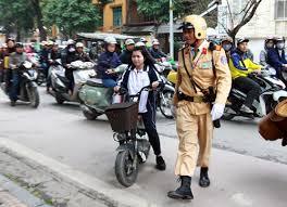 Tội điều động hoặc giao cho người không đủ điều kiện điều khiển các phương tiện giao thông đường bộ