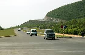 Vi phạm quy định về sửa chữa-quản lý công trình giao thông phạm tội gì?