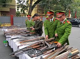 Tội chế tạo, tàng trữ, vận chuyển, sử dụng, mua bán trái phép vũ khí quân dụng, phương tiện kỹ thuật quân sự