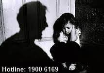 Tội ngược đãi hoặc hành hạ ông bà, cha mẹ, vợ chồng, con, cháu, người có công nuôi dưỡng mình