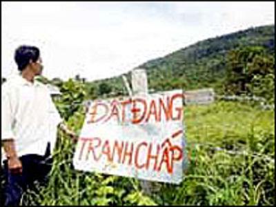 Đăng ký sang tên quyền sử dụng đất khi đang có tranh chấp?