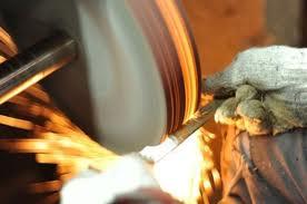 Tư vấn về ngành nghề sản xuất sản phẩm từ kim loại đúc sẵn?