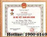 Con tranh giành nhau việc giữ bằng Bà mẹ Việt nam anh hùng của mẹ