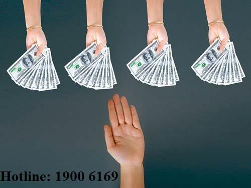 Trách nhiệm trả nợ khi vay tiền cho người thứ ba