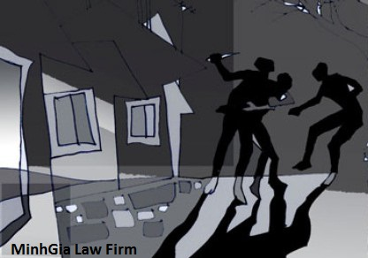 Khởi kiện hành vi cố ý gây thương tích và chiếm đoạt tài sản
