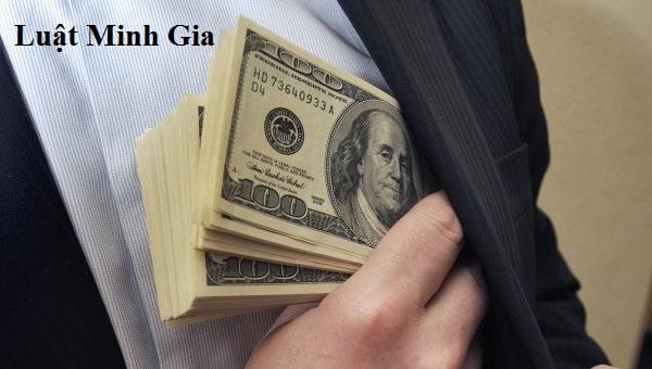 Đưa tiền nhờ xin việc có phải là đưa hối lộ không?