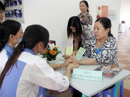 Đóng bảo hiểm xã hội trong bao lâu thì được hưởng chế độ thai sản?