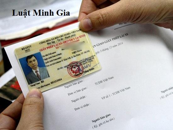 Thay đổi CMND có phải đổi lại đăng ký xe không?