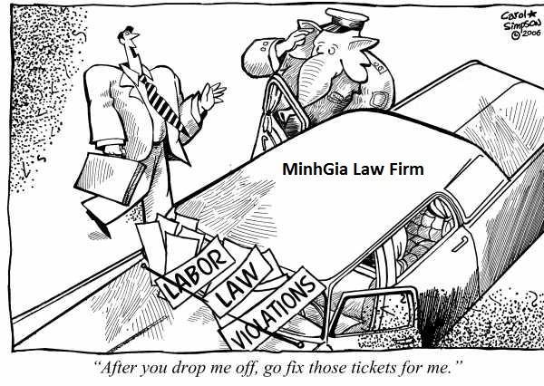 Về nghĩa vụ bồi thường vi phạm hợp đồng và việc trả sổ BHXH
