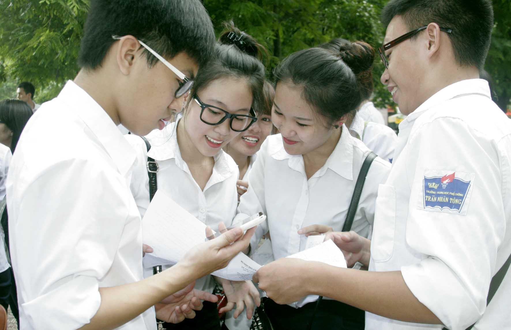 Tư vấn về hành vi xử phạt học sinh của viên chức Giám thị