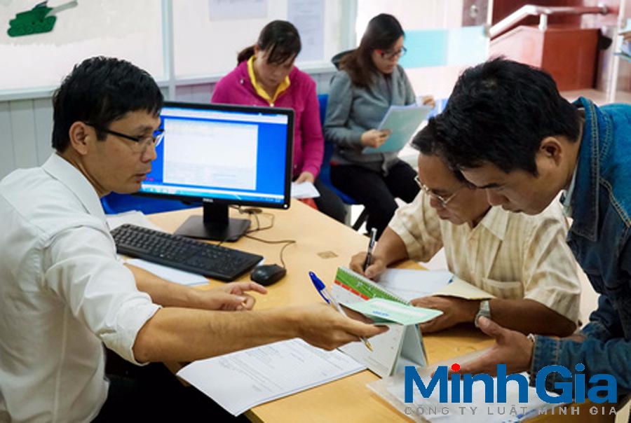 Kinh phí đào tạo của viên chức được đảm bảo từ nguồn nào?
