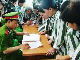 Đang hoãn thi hành án vì bị bệnh hiểm nghèo có được đề nghị đặc xá năm 2015?