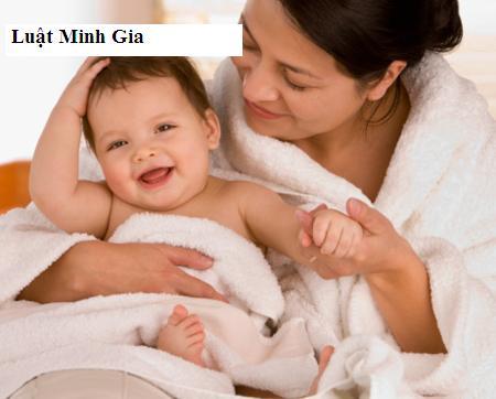 Con thường trú tại nơi khác, mẹ có được hưởng chế độ thai sản không?