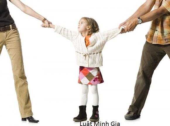 Luật sư tư vấn về quyền nuôi con sau khi ly hôn.