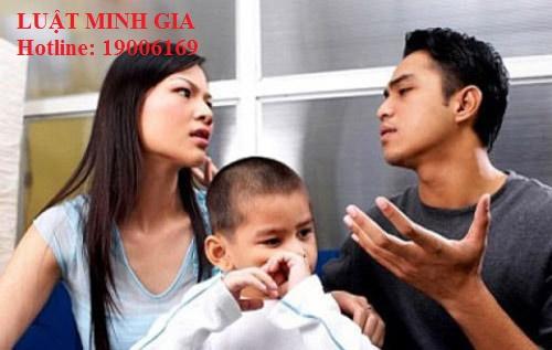 Tư vấn về vấn đề nuôi con sau ly hôn