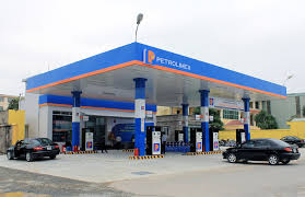 Bán buôn xăng dầu có cần giấy phép đủ điều kiện kinh doanh?