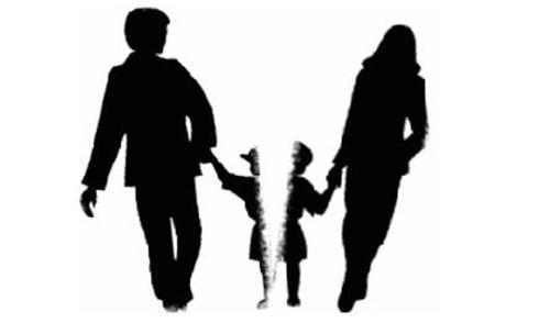 Ai là người có quyền nuôi con sau khi ly hôn.