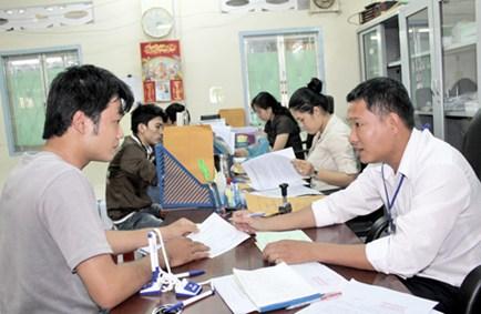 Thời gian làm hồ sơ xin hưởng trợ cấp thất nghiệp.