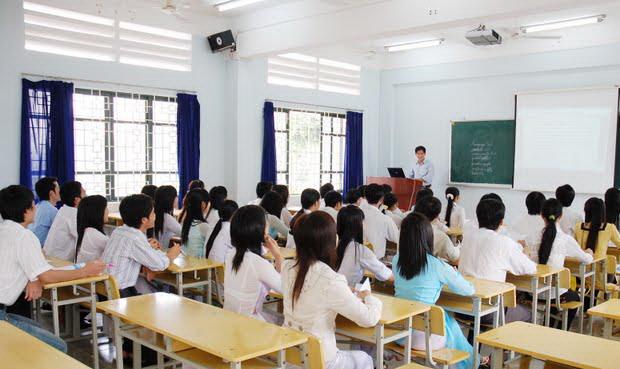 Học liên thông tại trường dân lập thì có được miễn học phí không?