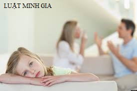 Hỏi về hành vi cản trở quyền nuôi dưỡng, chăm sóc giữa cha, mẹ và con