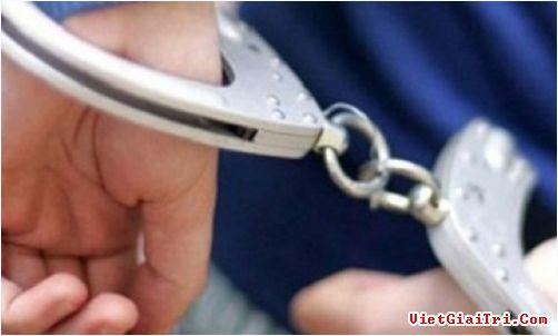 Chi trả luwong cho công chức bị tạm giam