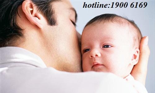 Cha giành quyền nuôi con dưới 36 tháng tuổi