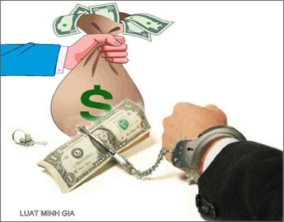Có nên tố cáo hành vi chiếm đoạt tài sản hay không?
