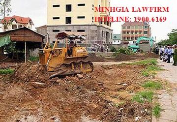 Bồi thường về đất và nhà ở khi có dự án xây đường và đắp đê của Nhà nước