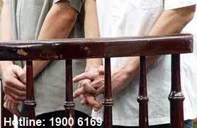 Tư vấn về trình tự khởi kiện người có hành vi liên quan đến tội lạm dụng tín nhiệm chiếm đoạt tài sản