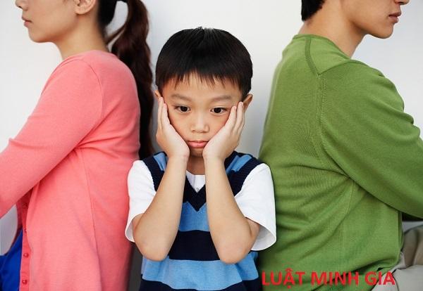 Ba mẹ không nuôi dưỡng con thì ai có quyền nuôi dưỡng?