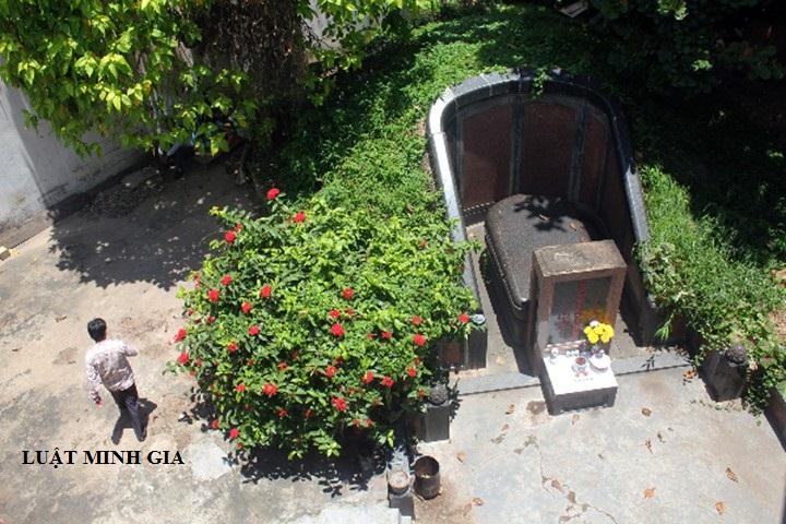 Tranh chấp đất đai trong trường hợp xây mộ trên đất nhà khác