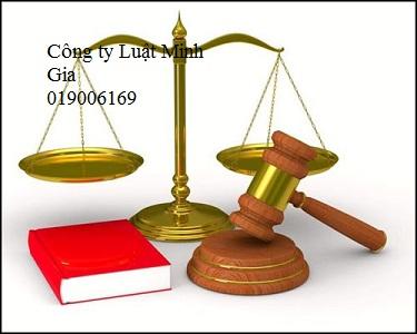 Dùng vũ lực chiếm đoạt tài sản và thực hiện tố giác tội phạm