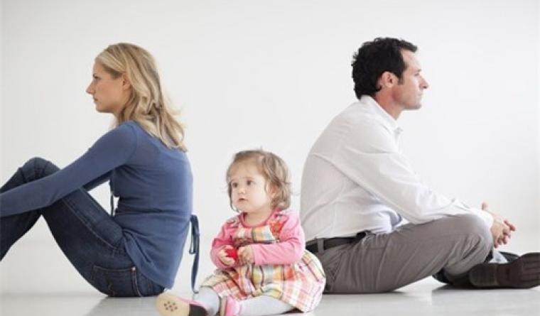 Vấn đề giành quyền nuôi con và chia tài sản khi ly hôn