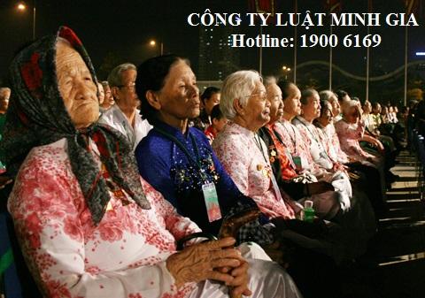 """Điều kiện và thủ tục phong tặng danh hiệu """"mẹ Việt Nam anh hùng"""""""