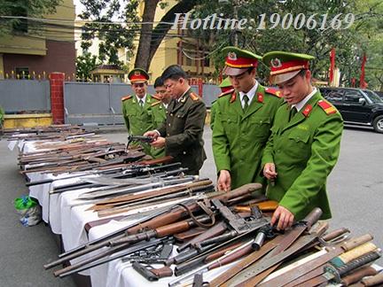 Xử phạt hành chính hành vi tàng trữ vũ khí, vật liệu nổ