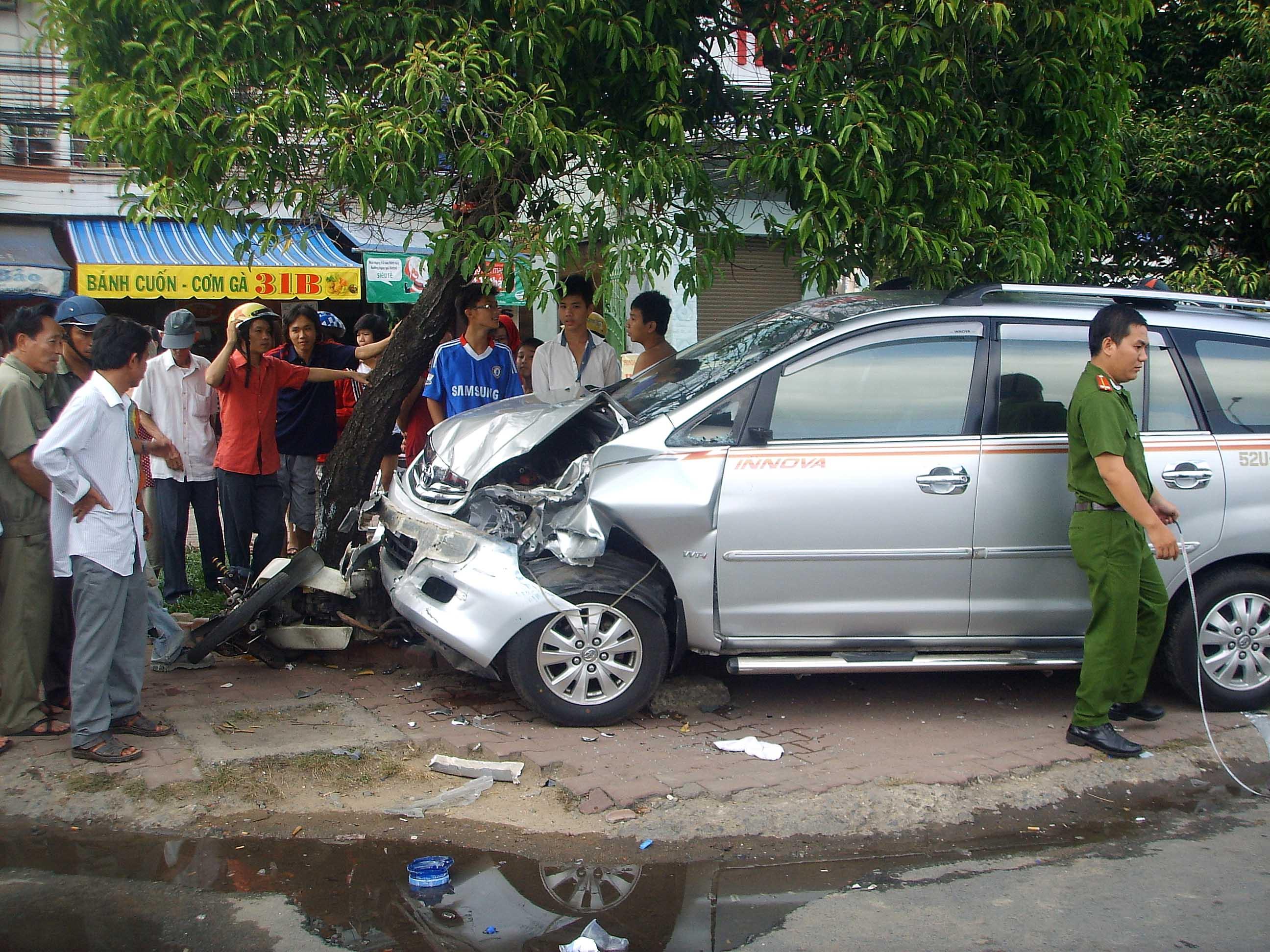 Mức chủ xe phải bồi thường khi lái xe gây tai nạn