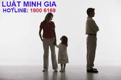 Quyền nuôi con và phân chia tài sản khi ly hôn thế nào?