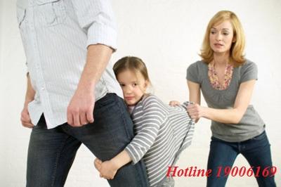 Đơn phương ly hôn và bắt cóc con đẻ có bị truy cứu trách nhiệm hình sự không?