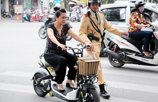 Tư vấn về đăng ký xe máy điện