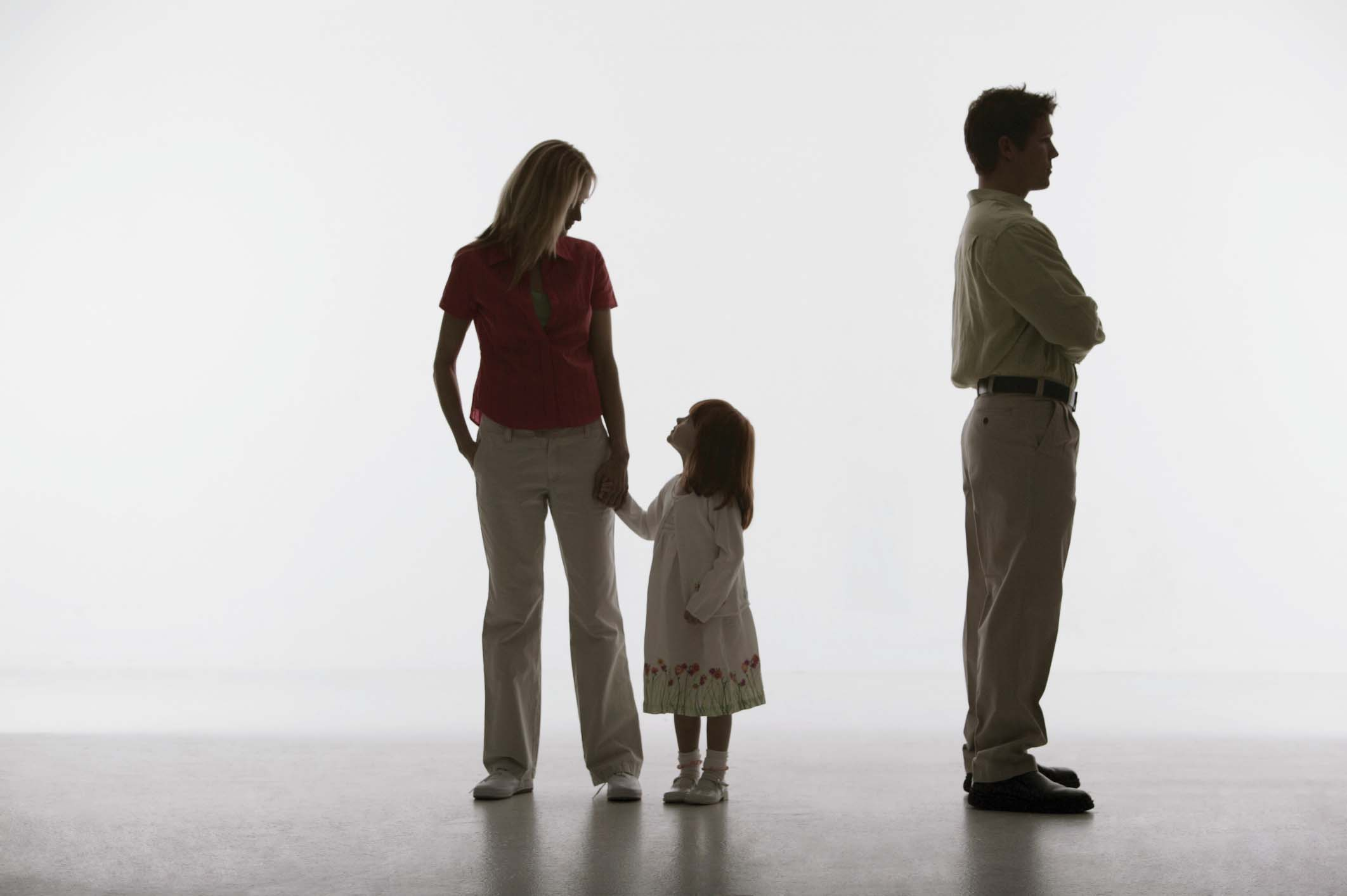 Tranh chấp nuôi con sau quyết định thi hành án xử lý thế nào?