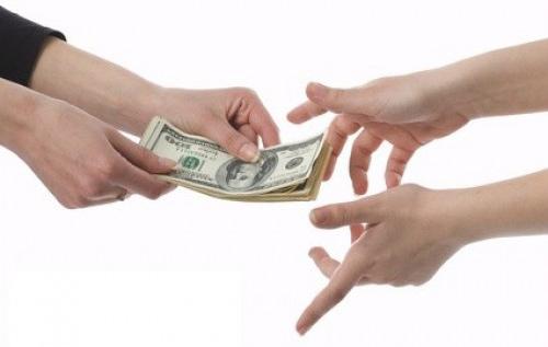 Vay tiền chưa trả được và bị chủ cho vay làm đơn tố cáo