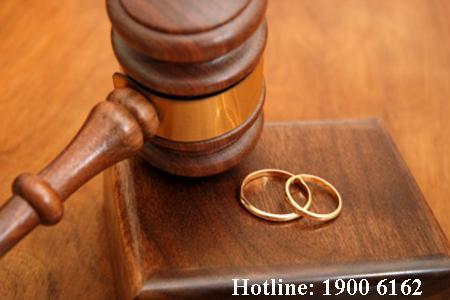 Thời điểm có hiệu lực của việc phân chia tài sản chung của vợ chồng theo quyết định của TAND.