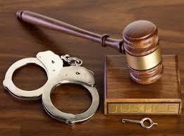 Nhân viên ăn trộm tiền của khách hàng xử lý thế nào?